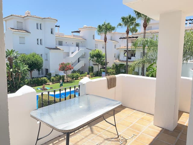 Charming apartment with pool close to Puerto Banus