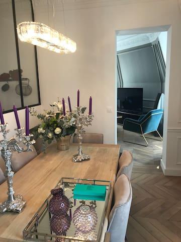 Appartement chic au cœur de Paris Montorgueil 2BDR