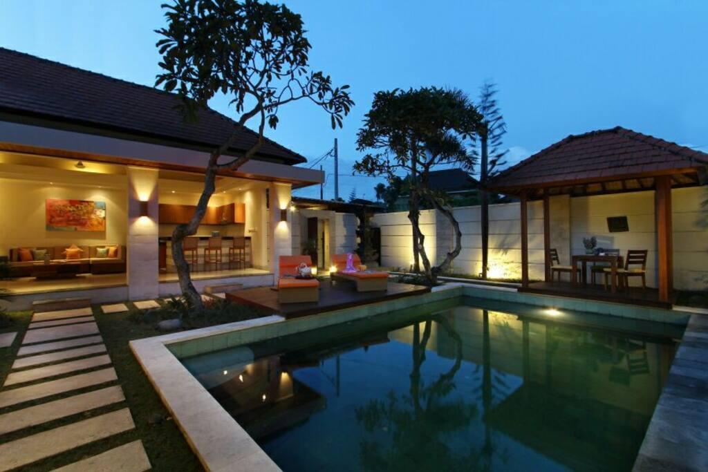 Overview Villa Private Pool