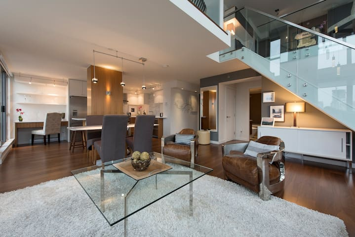 Glass Castle Penthouse in Center - Vancouver - Loft