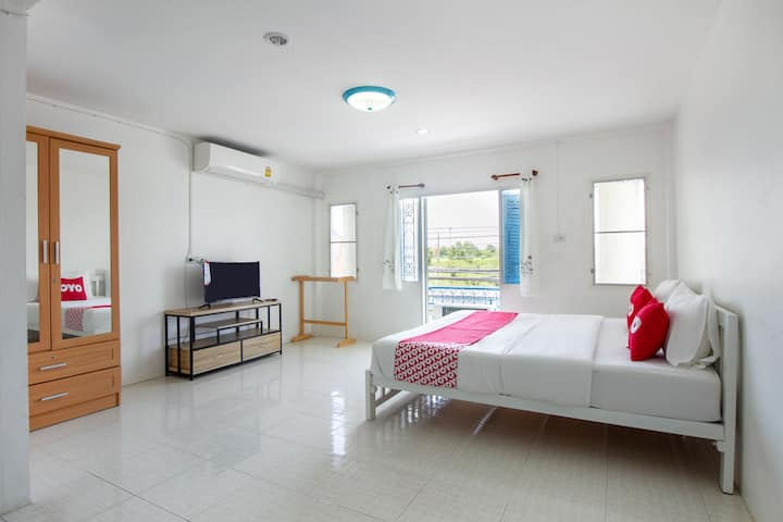 OYO LIFE Sabai Place / Monthly rooms