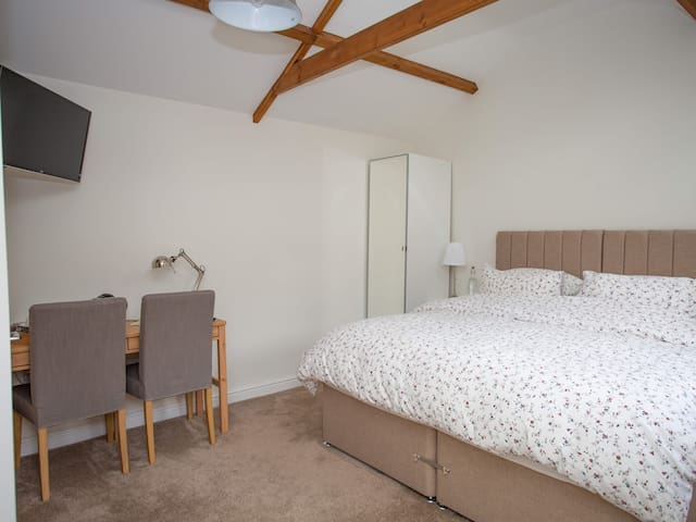 Courtyard Room with Superking bed and Ensuite