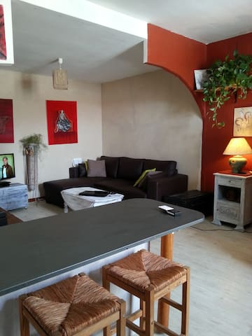 Studio tout confort idéalement situé - Vauvert - Huoneisto