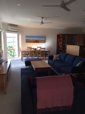 North facing, ocean views, 5 mins walk to beach - Malua Bay - Ev