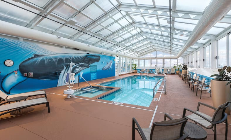 1 BEDROOM | POOL | LUXURY | Near the Boardwalk |