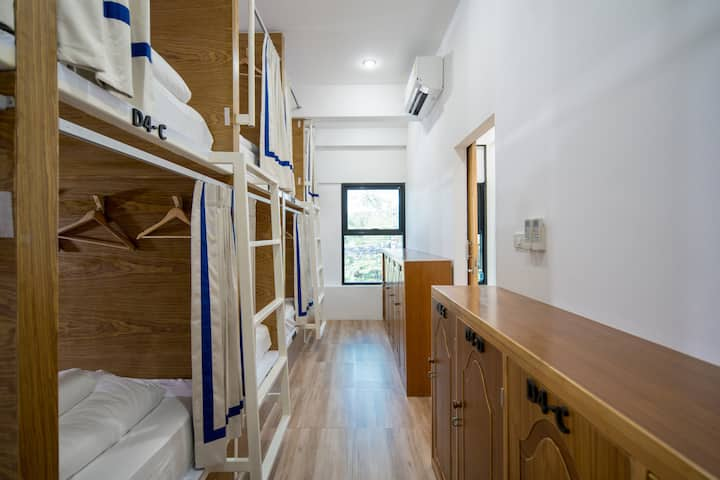 10 Bed Mixed Dorm E