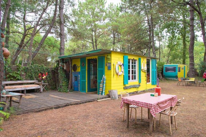 Cabane sous les pins , près  de l'océan- Vendée - La Faute-sur-Mer - Cabaña