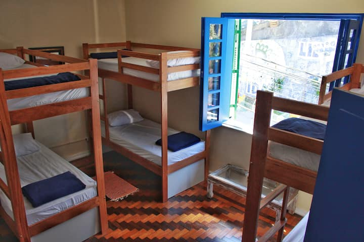 Hostel Maresias do Leme - Quarto com 8 camas