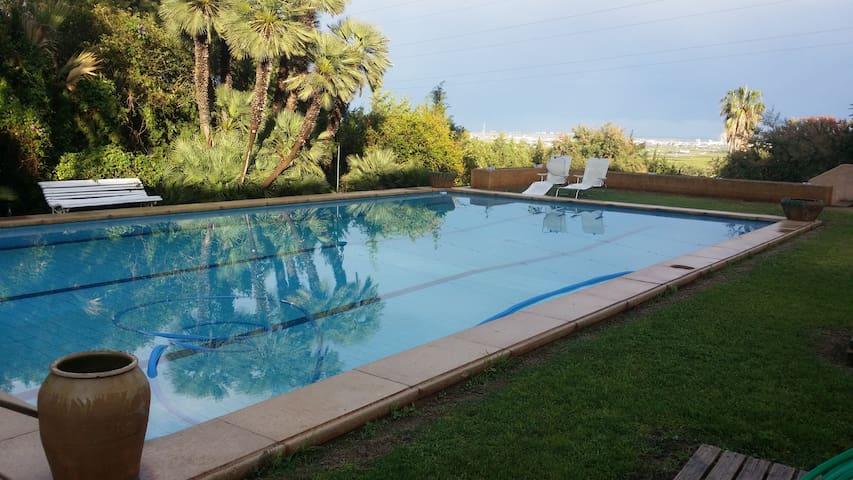Casa con jardin de 4.000m2 y piscina - Torrente - Hus