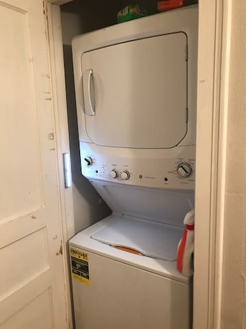 Washing machine and drier, which guests are welcome to use!