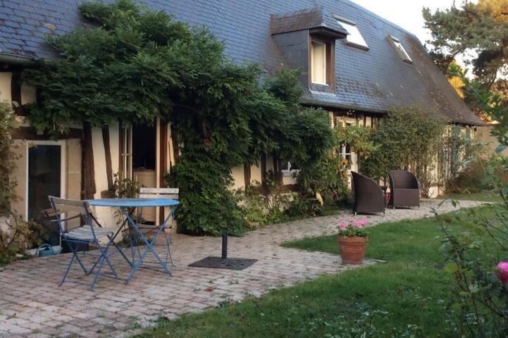Maison de charme ,  3 chambres, centre village. - Saint-Martin-de-Boscherville - Casa