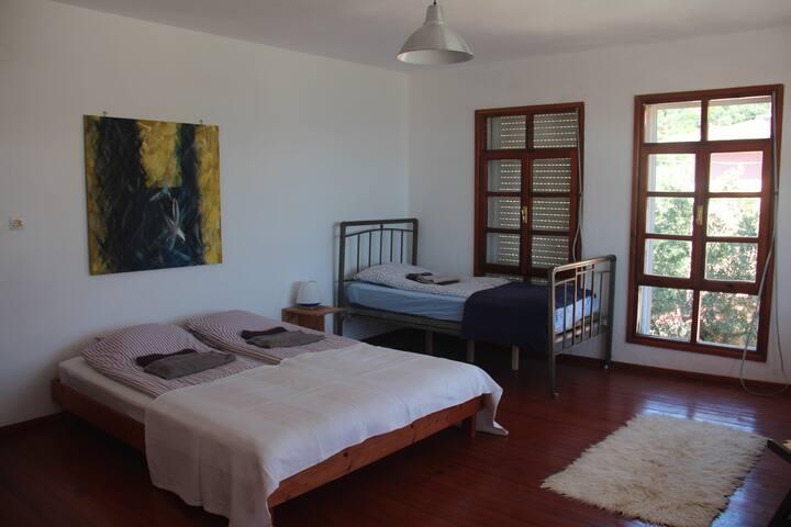 ada-art sea view family room 2