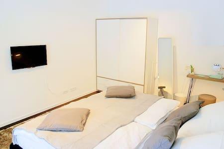 Privates Zimmer für 2 Personen. - Bärweiler