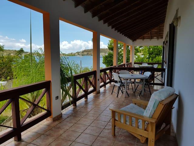 Hostal Casa Culebra Villa 3 (bay front, dock slip)