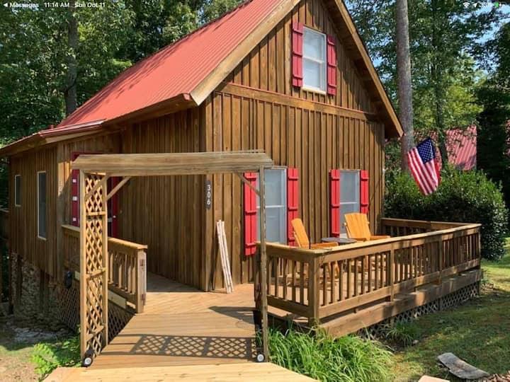 Papaw & Grammy's Cabin, Lake, Pool, Boat Ramp