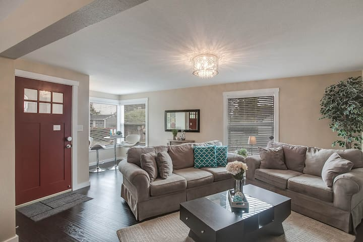 NEW! live in style - old+charm+MODERN in seattle - Seattle - House
