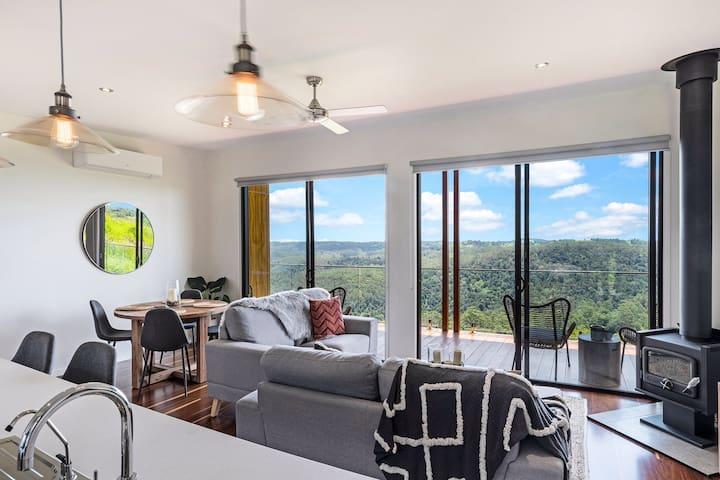 Luxury 1 Bedroom Cabins - Best views in Maleny