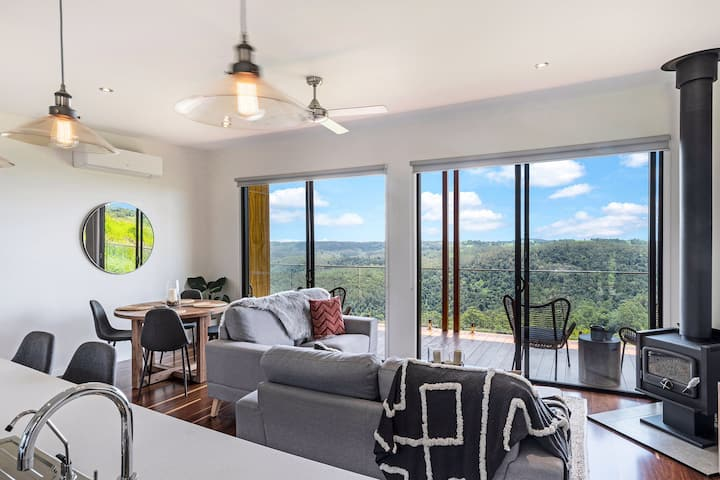 Luxury 1 Bedroom Cabins - Best views in Maleny