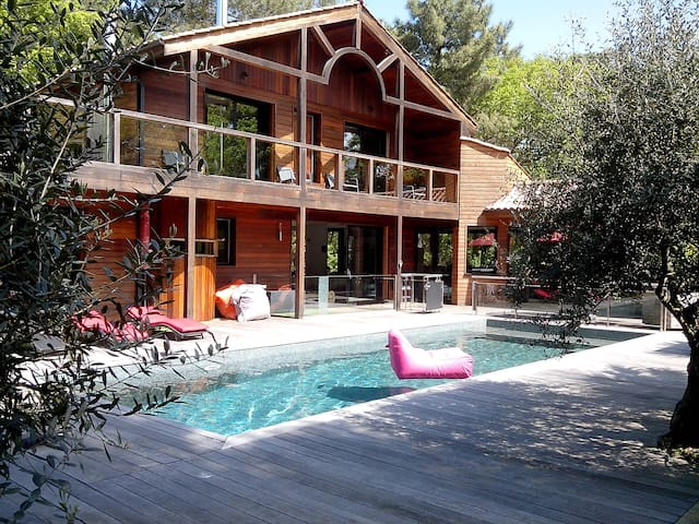 Villa prestige 5* 4 suites, 4 SDB,Golf Biscarrosse