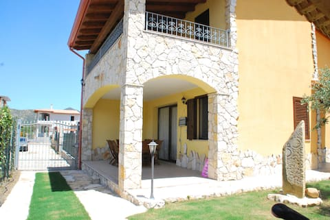 Villa for relax between sea mountai