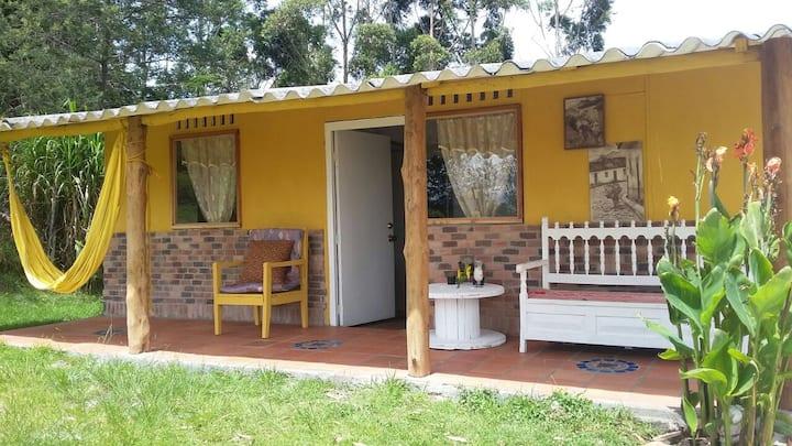 """Cabaña Campestre """"Las Margaritas"""". Hermosa Vista"""