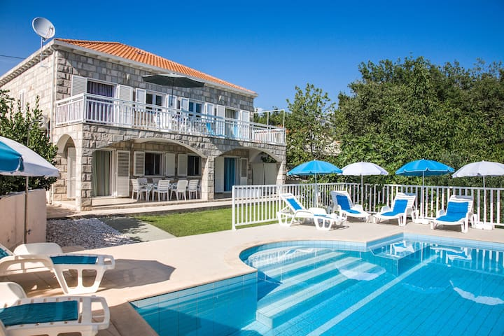 Villa Peric= treat yourself with perfect holiday! - Cavtat - Villa