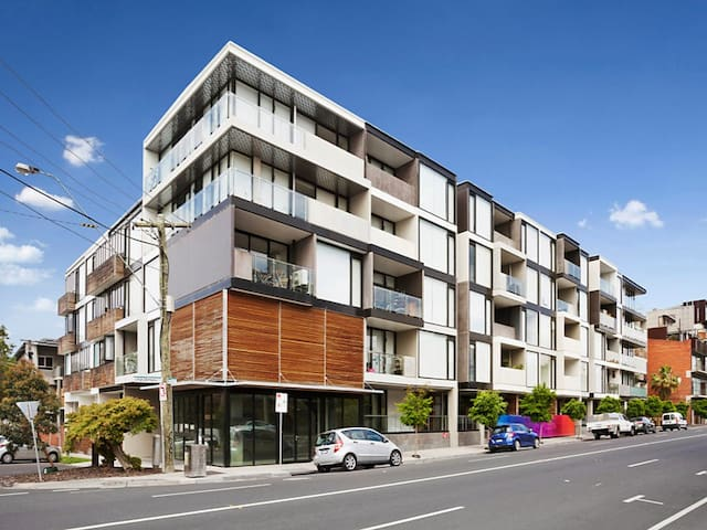 Super Large 2BR Apartment in St Kilda-Free parking - Saint Kilda - Appartement