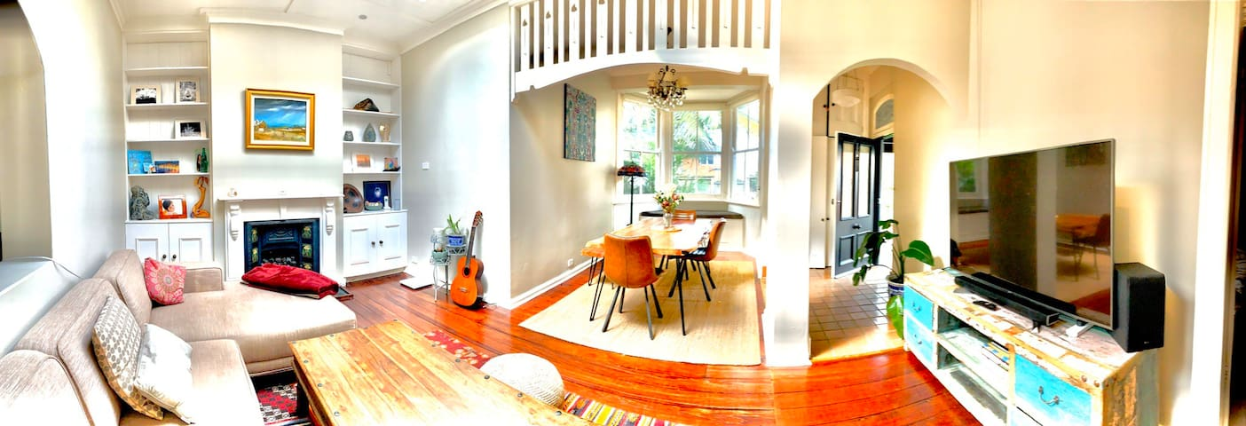 Cozy 2 Bedroom House in the Heart of Manly