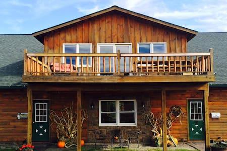 LakeView Estate By Brophy w/ Lake Frontage - - Ház