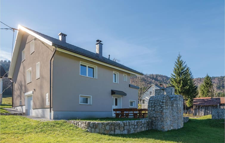 Holiday cottage with 2 bedrooms on 183 m²