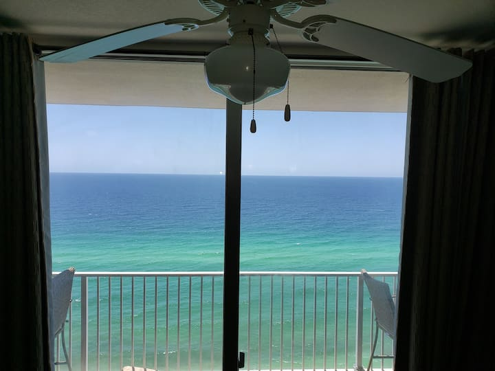 Beachfront condo on 17th floor at Tidewater Resort