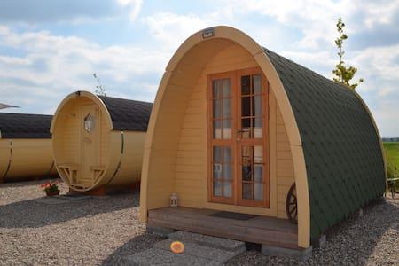 Quaint hut in Hamburg nature, pure peace