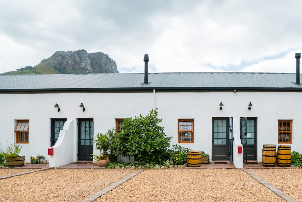 Ideal Historic Loft to Explore the Stellenbosch Winelands