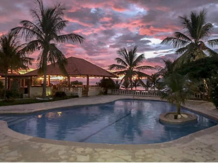 BEACH PARADISE! Huge private villa on the beach!
