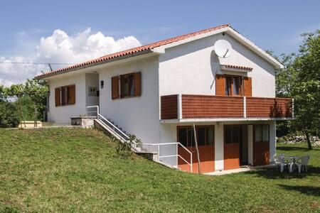 2 Bedrooms Home in Brnjci - Brnjci