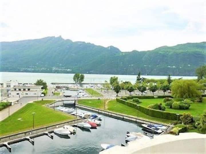 appartement marina du petit port coté lac