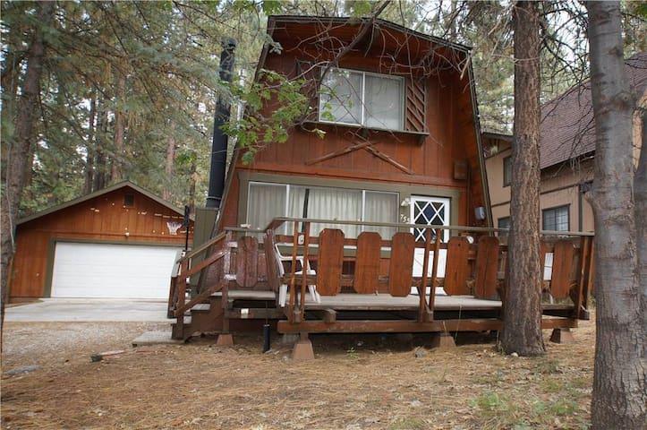 Cabin Retreat for Biking, Meditating, Nature - Big Bear Lake - Cabin