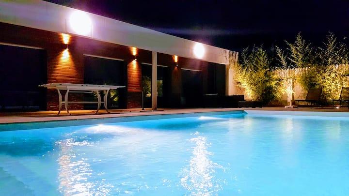 Maison agréable moderne avec piscine, proche Blois