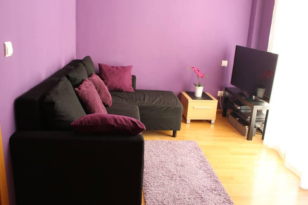 Habitaci n con sof cama delicias apartamentos en for Habitacion familiar en zaragoza