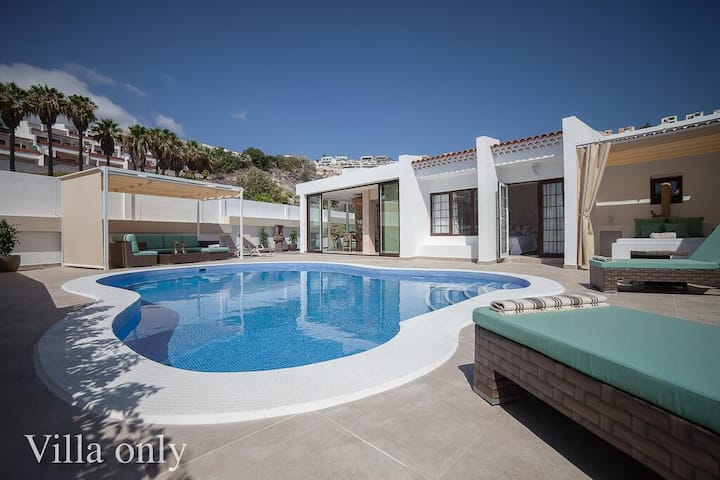 Luxury Villa, Private Pool, Barbecue, Symmetrical Wi-Fi, 96 m2.