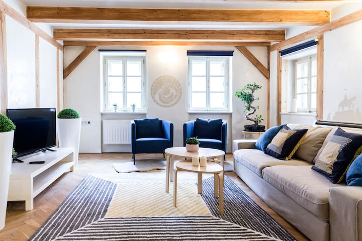 Romantic loft next to the Old Town Square