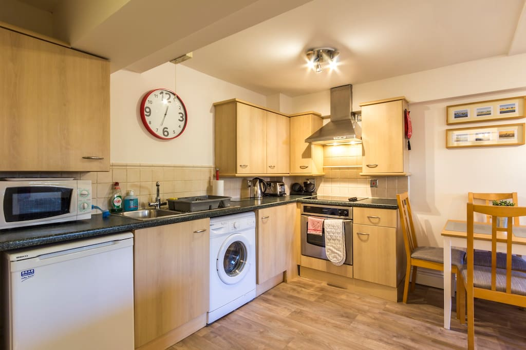 Integrated fully-equipped kitchen