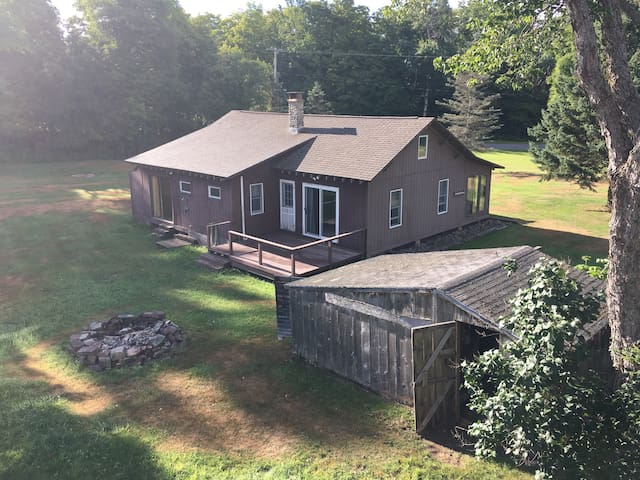 Stony Brook Cottage 800 Acres Nature at Its Best!
