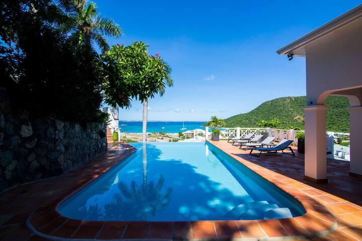 Casa Branca*-Walk to the beach Beautiful views