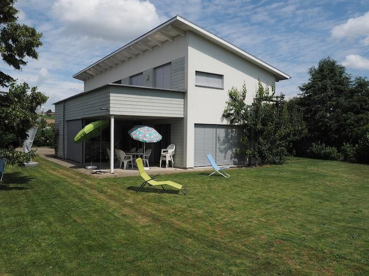 Spacious and bright villa with big garden