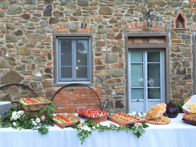 Starter buffet in front of the villa