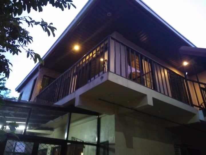 Tagaytay Transient House