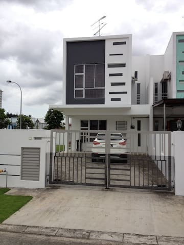 Comfort homestay@Bukit Indah JB - Johor Bahru - Rumah