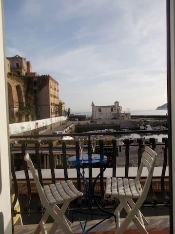 Suite per 2 a Pozzuoli con vista mare - Pozzuoli - Appartement