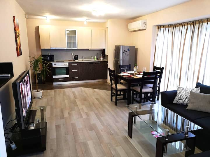 Plaisir Apartment in the City Center